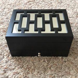 Black mirrored jewelry box